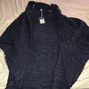 Sweaters - NWT Women's sleeveless cardigan!